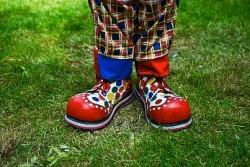 Какими бывают клоунские ботинки